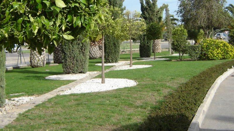 mantenimiento-de-jardineria1-1171x450